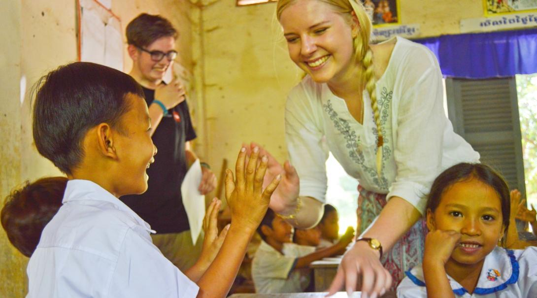 カンボジアの子供たちへの基礎教育に活躍するチャイルドケアボランティア